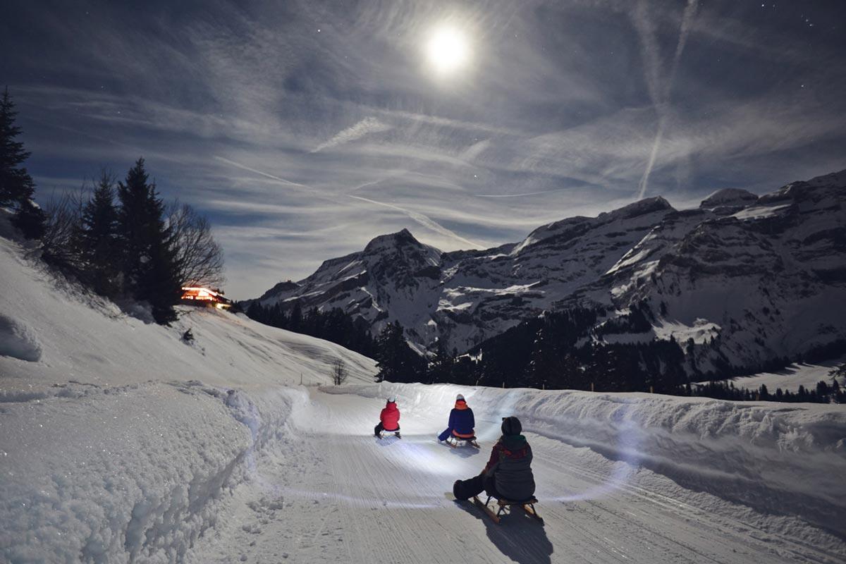 Faire-luge-de-nuit-Diablerets-Suisse