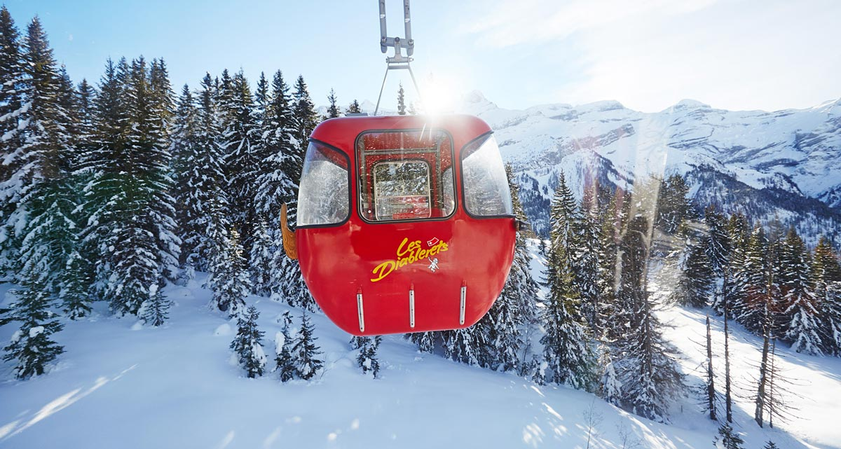telecabine-rouge-suisse-Diablerets