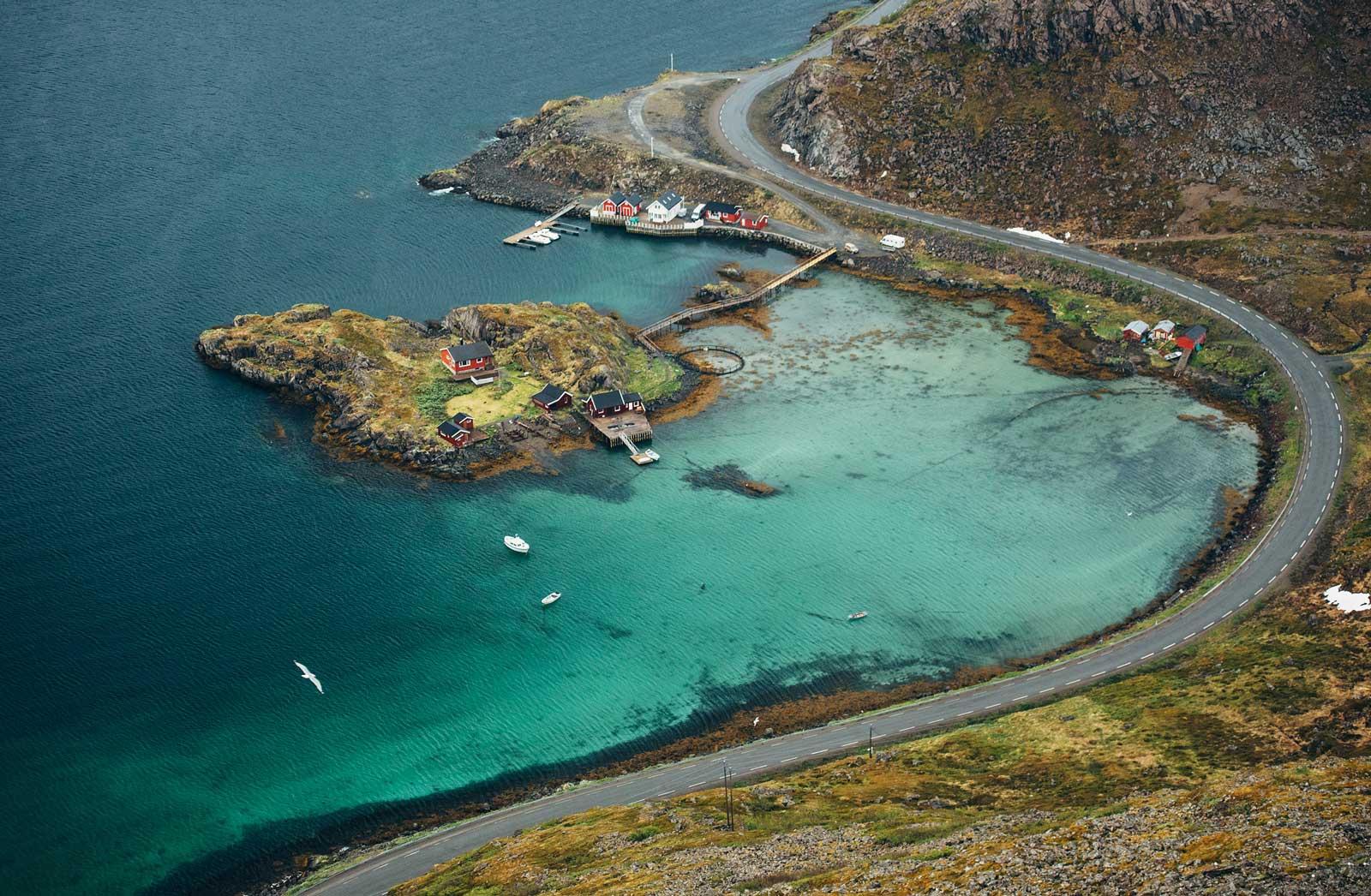 plus belle randonnée de norvege vue sur eau turquoise