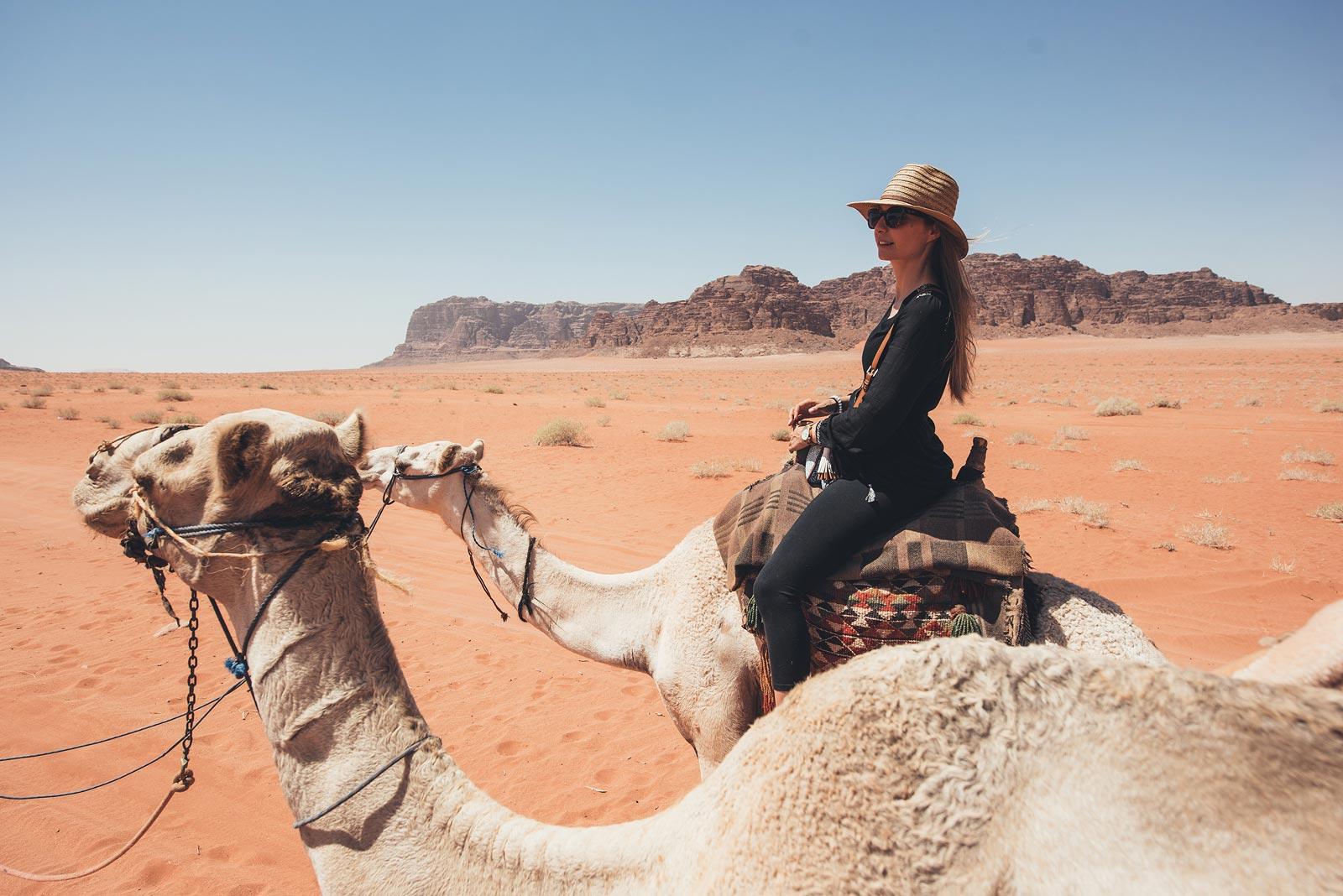 jordanie faire du chameau