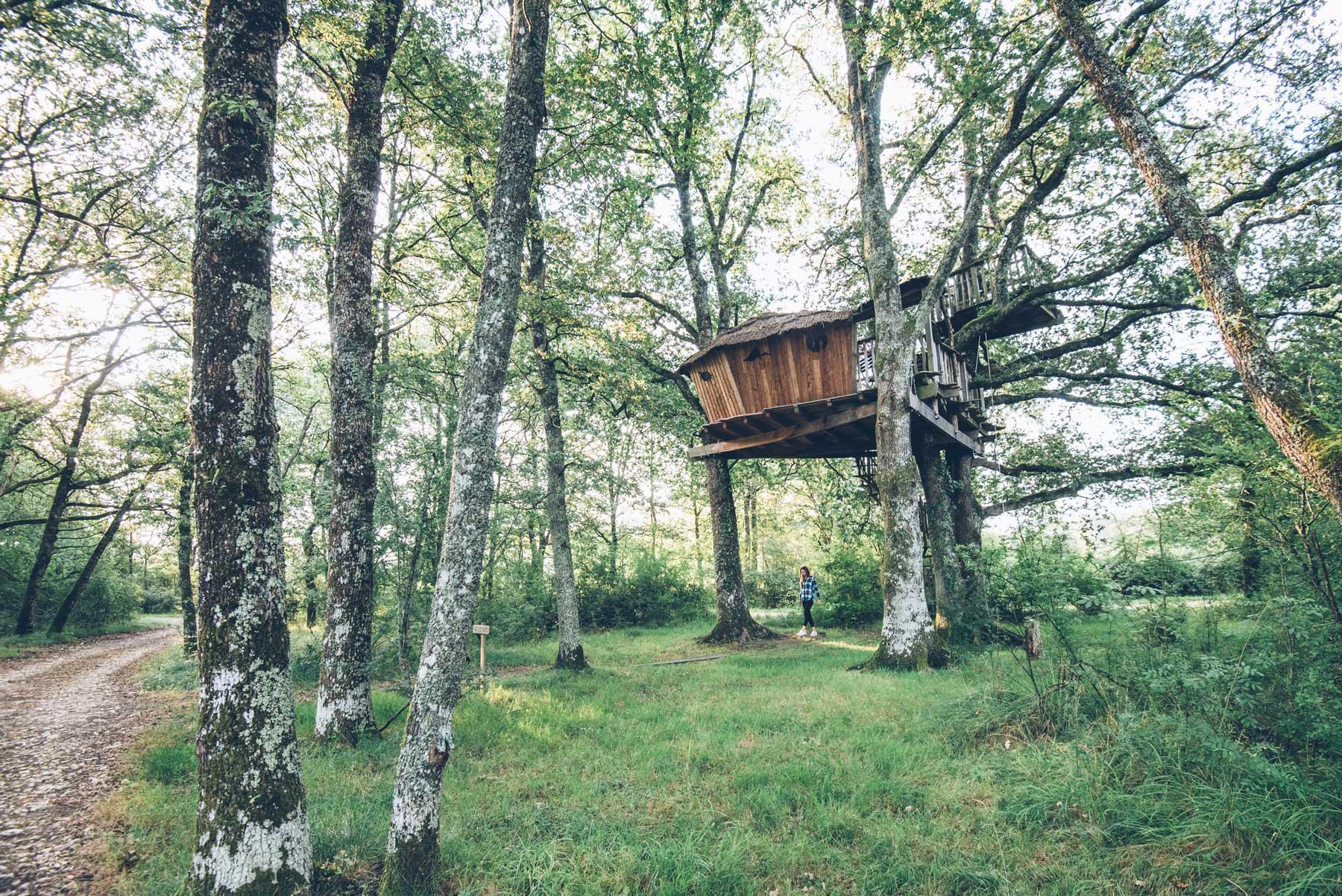 Logement Insolite en Berry: Les cabanes de Chanteclair