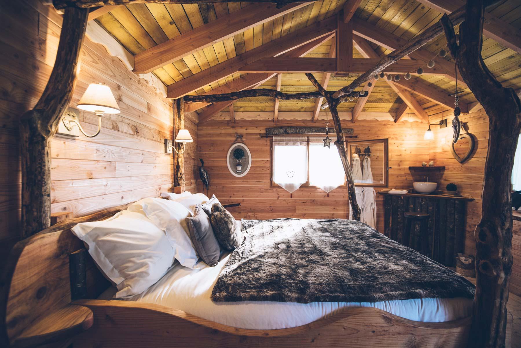 Dormir dans une cabane dans les arbres, Chalais en Berry
