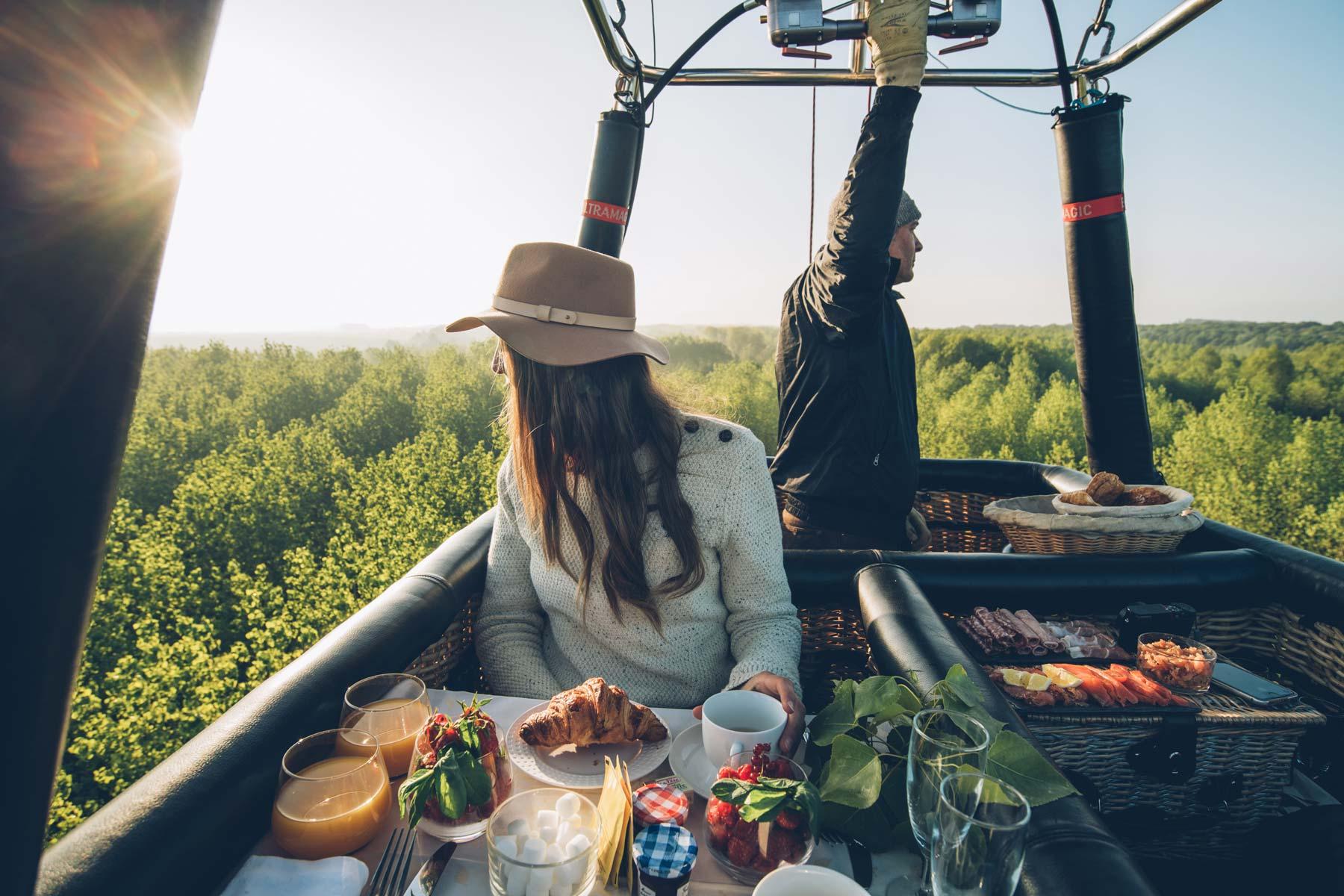 Petit déjeuner ou Diner romantique en mongolfière