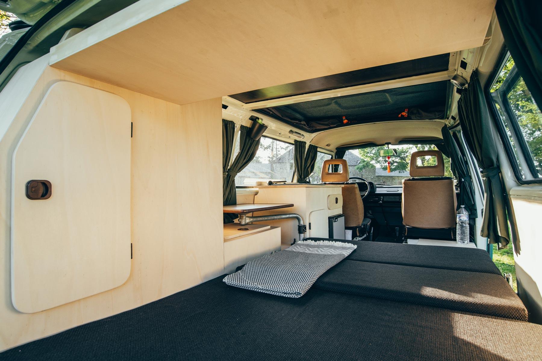 Aménagement intérieur combi T3 volkswagen en bois