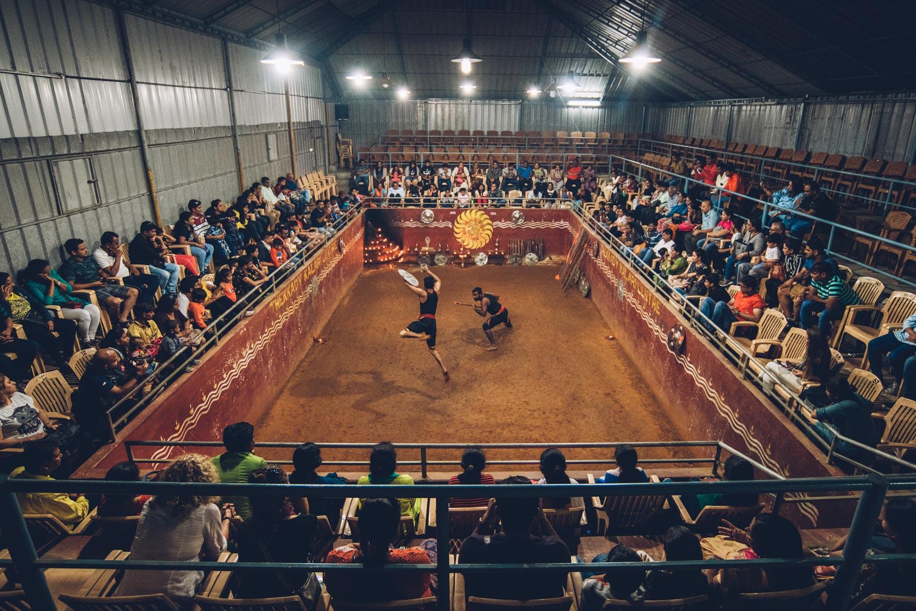 spectacle de Kalaripayattu, Inde