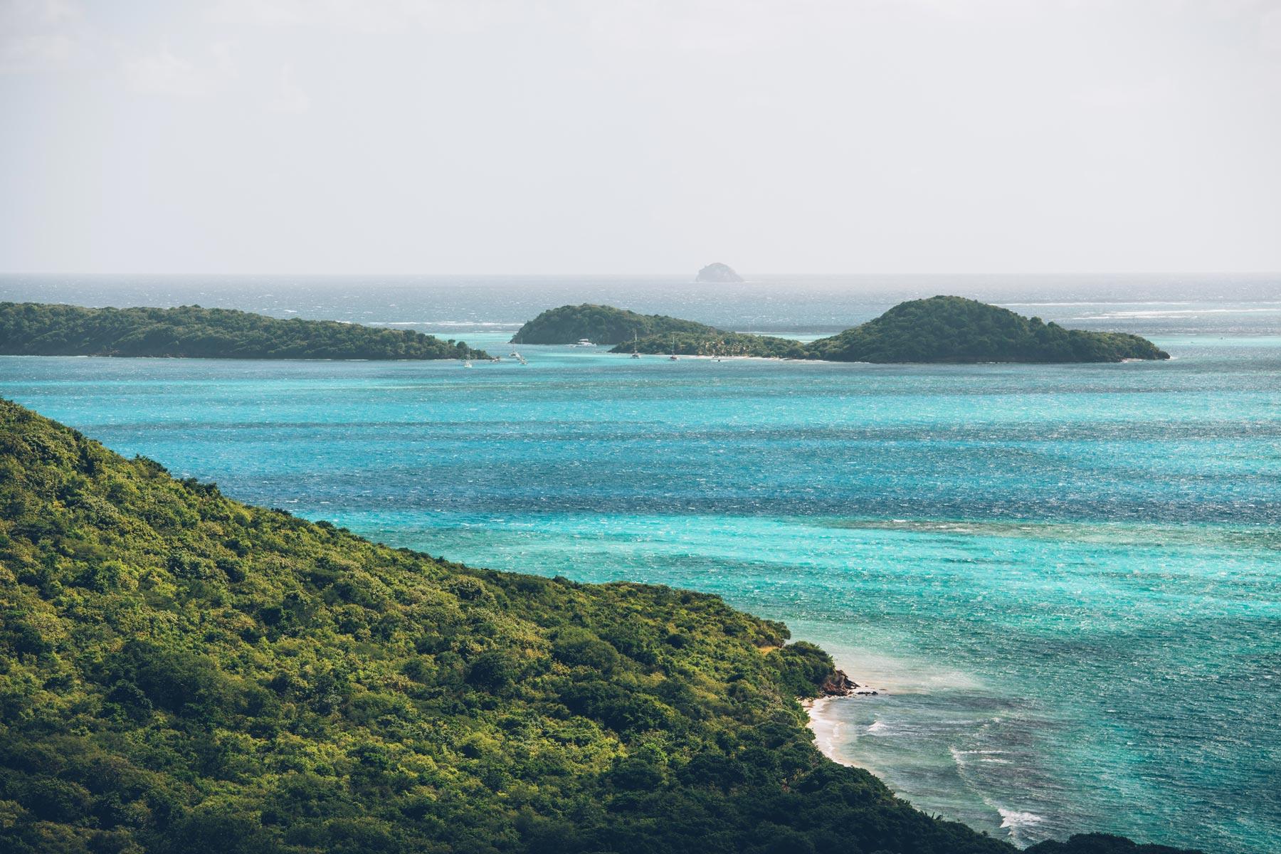Vue sur les Tobago Cays depuis Mayreau Island