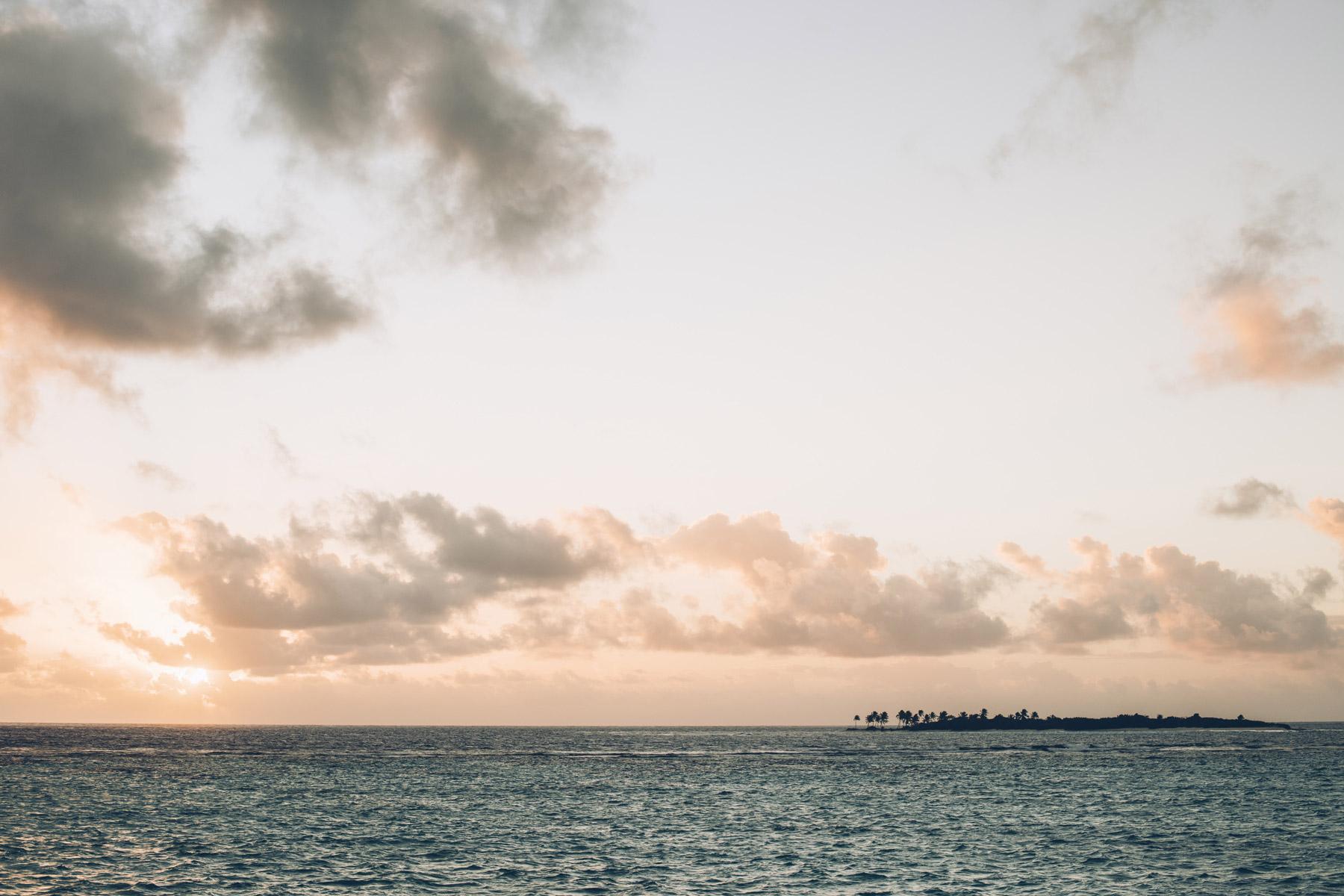 Coucher de soleil sur le catamaran, Grenadines
