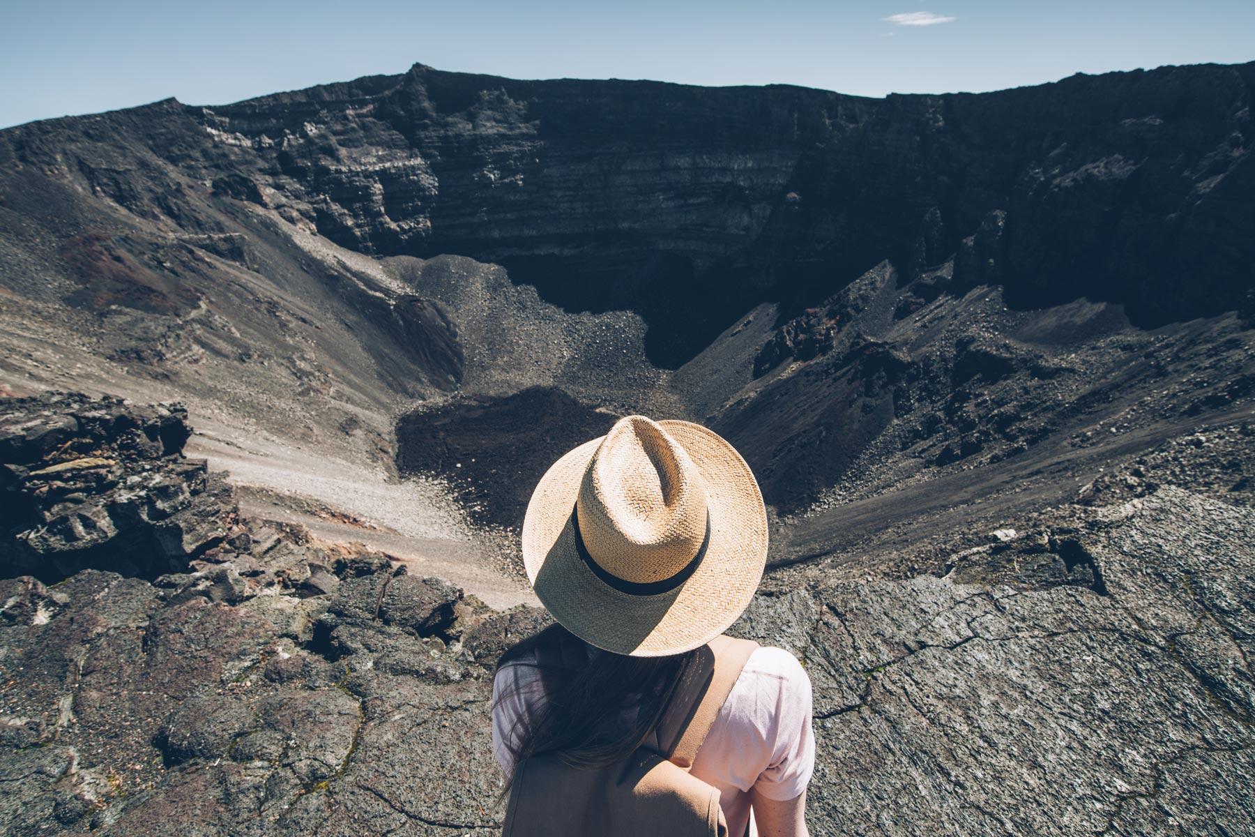 Piton de la Fournaise, Randonnée jusqu'au cratère/sommet