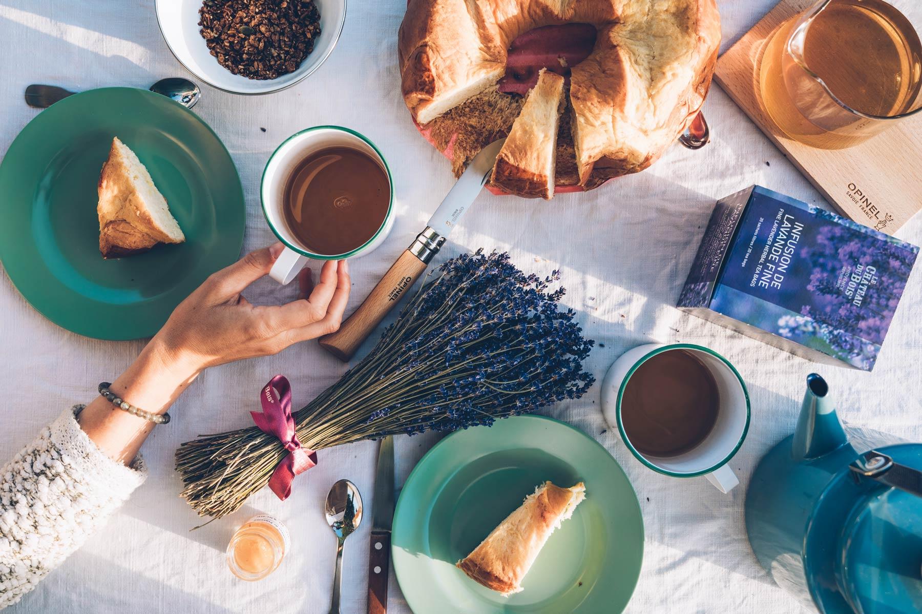 Petit Déjeuner Lavande en Vaucluse