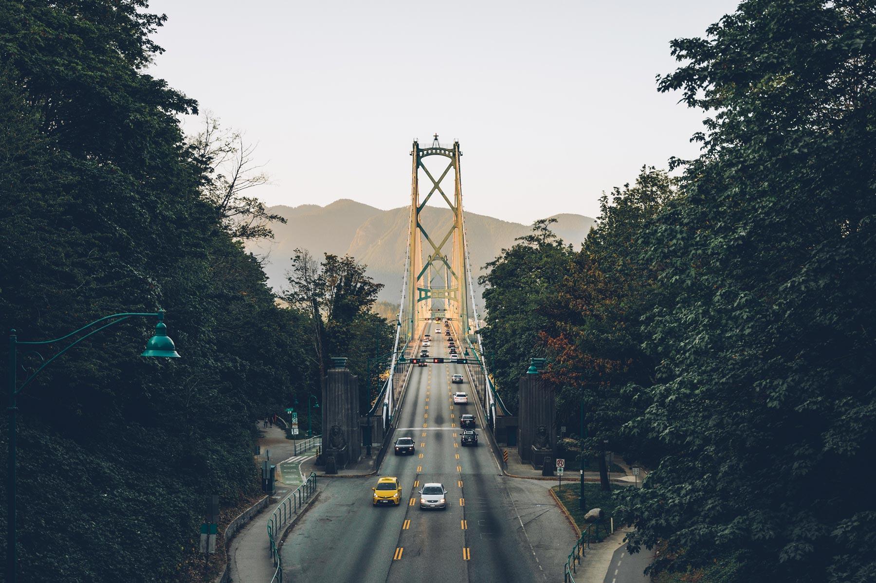 Vue sur le Pont Lions Gate Bridge depuis Stanley Park, Vancouver
