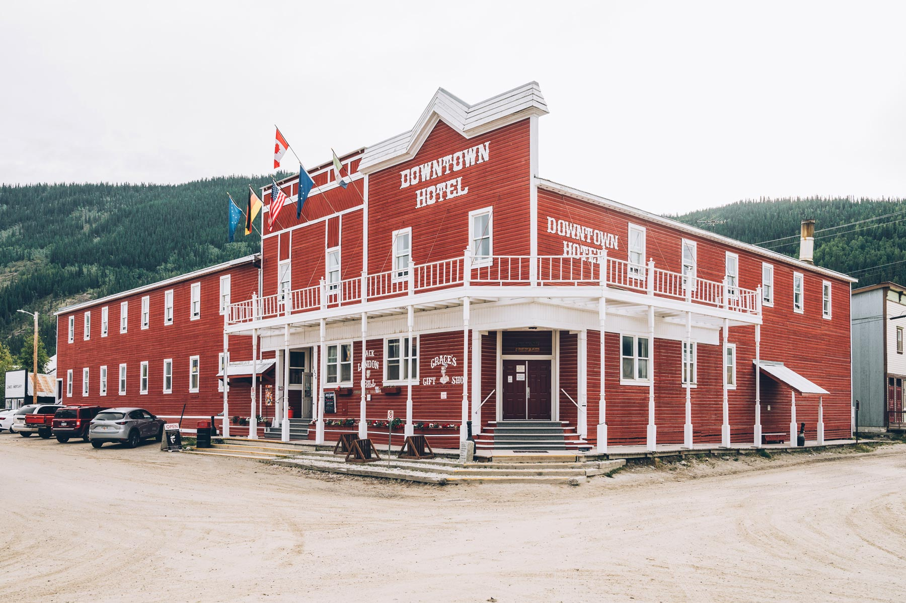 Dawson city, Downtown Hotel