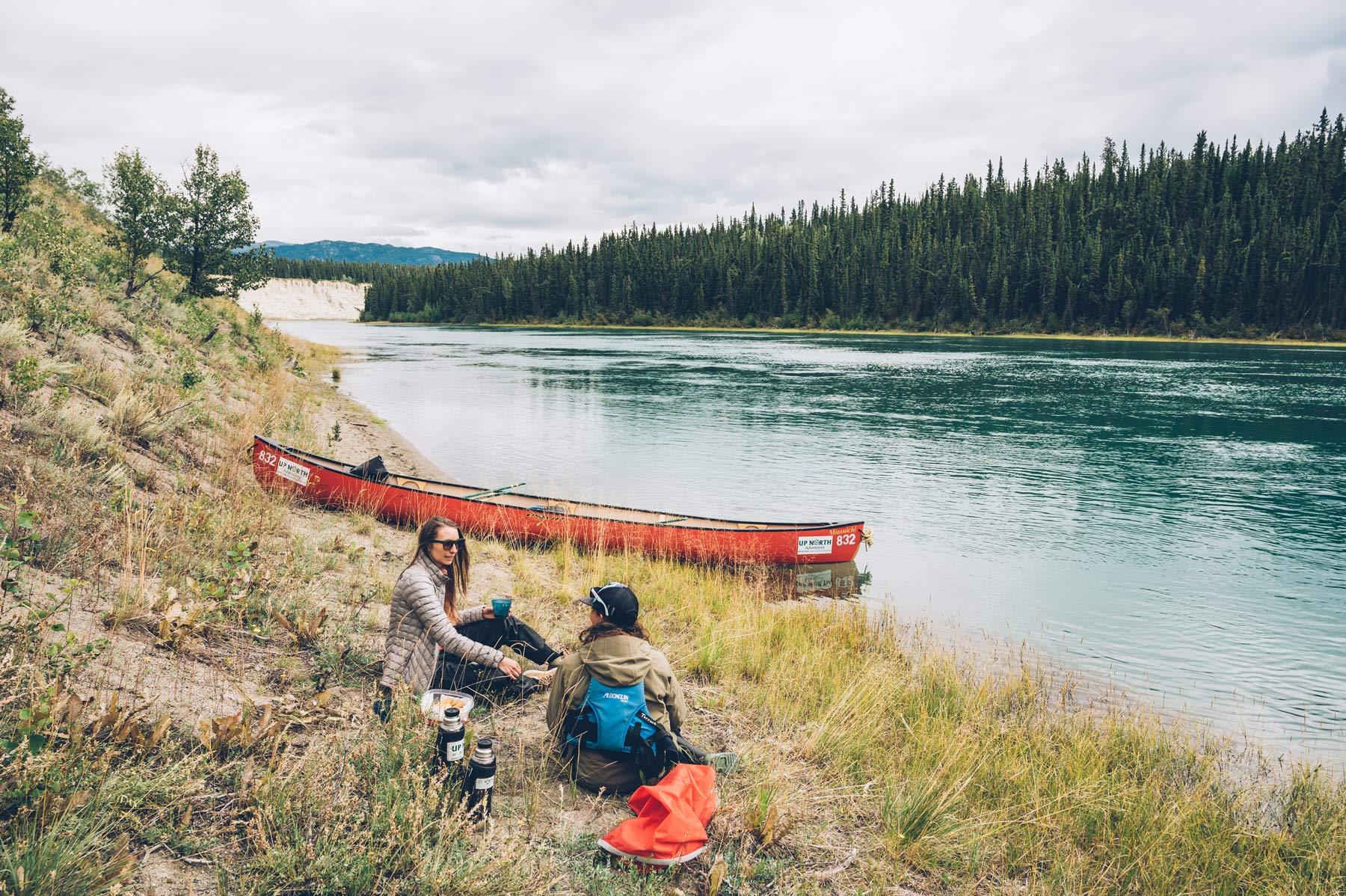 Canoe sur la Yukon River, Canada
