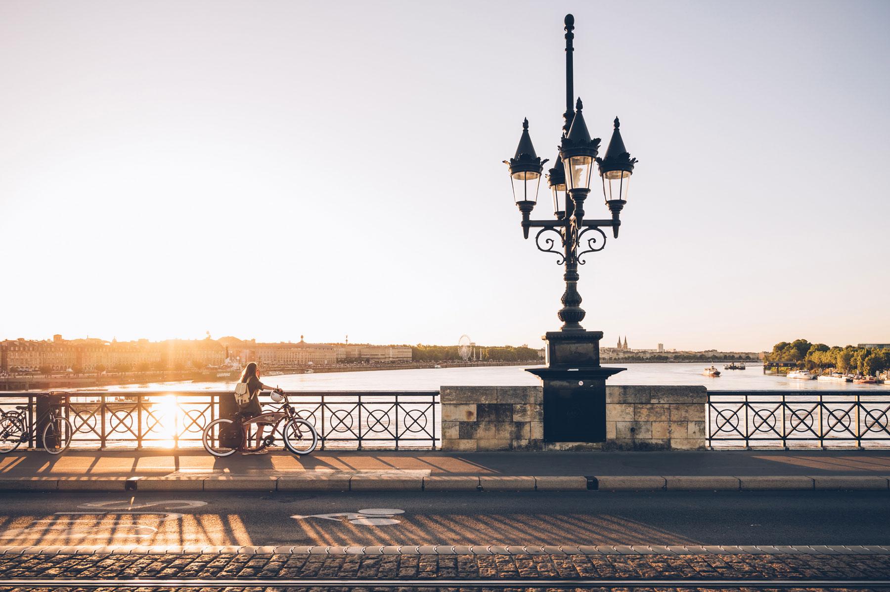 Bordeaux, Coucher de soleil sur le pont de pierre