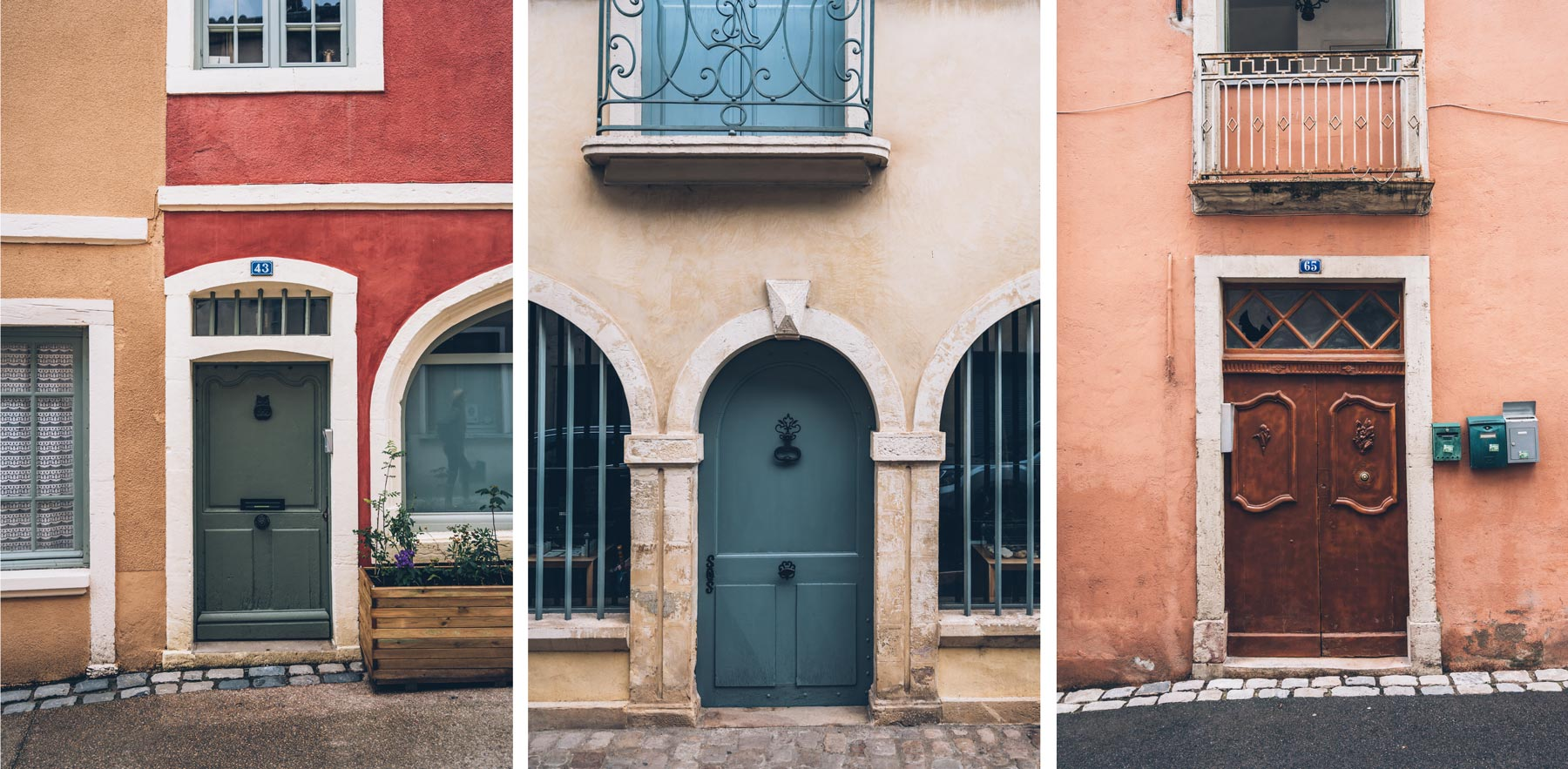 Cluny, Portes colorées